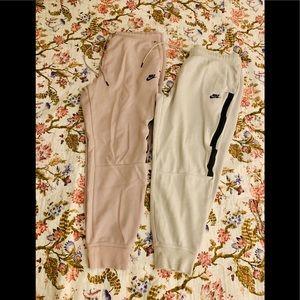 🌸 2 tech fleece Nike pants ❤️